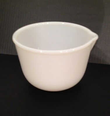 GLASBAKE MILK GLASS 20CJ SMALL MIXING BOWL for SUNBEAM w/Spout -X'lnt (Ref 22)