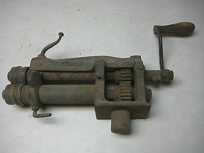 vintage antique tinsmith Peck Stow & Wilcox (Pexto) sheet metal roller groover