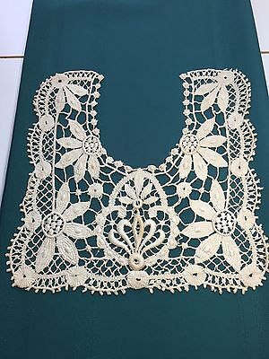 Vintage Lovely Heavy Lace Ladies Collar in a Square Design