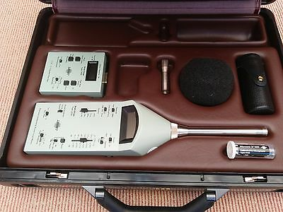 Bruel & Kjaer Type 2230 Sound Level Meter &1625 Octave Filter & 4230 Calibrator