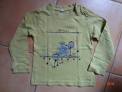 Tee Shirt...manches longues......taille 18 mois