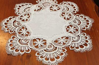 Elegantly embroidered top quality lace doilies placemats for table Whilte colour