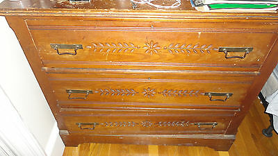 ANTIQUE OAK DRESSER with 3 DRAWERS