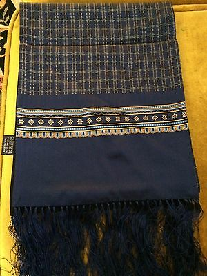 Mens 100% Silk/100% Wool print Scarf With Navy Fringes.