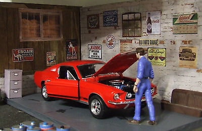 Superb 1967 Ford Mustang GT + bonus 10 posters 1/24 die cast model car