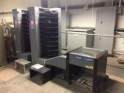 Duplo System 5000 collator and stacker