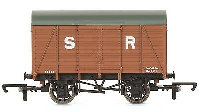 Hornby R6775 Southern Railway SR Vent Van SWB Freight Wagon OO Gauge 1:76 Scale
