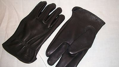 Leather Gloves Online offers an impressive selection of high-quality men's leather winter gloves in a variety of styles and linings. From leather driving gloves, to police patrol gloves, to tough outdoor work gloves, to classically styled dress gloves for winter wear, we carry the full range of men's leather gloves in many designs, colors and sizes from world-class manufacturers including.