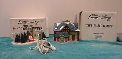 """Snow Village Department 56 """"Village Factory & Tree Lot Accessory"""" TESTED  SK1402"""