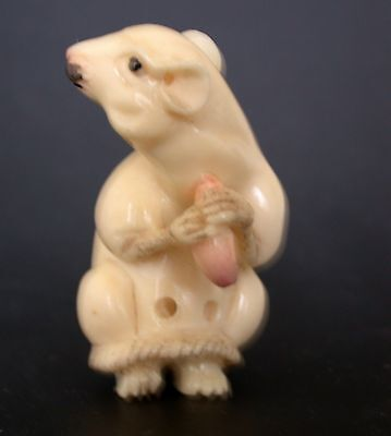 OLD Japanese Ivory colored Bone Netsuke- Mouse eats Grain