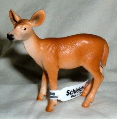 Schleich #14254 White Tailed Doe, Toy Collectible Deer