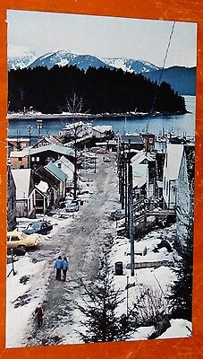 70s ALASKA TOWN ROAD OLD CARS HOUSES RIVER MOUNTAINS - RETRO VINTAGE AMERICAN