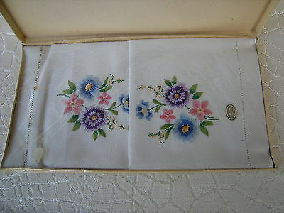 Vintage New Old Stock Sundew Linens Embroidered Guest Towels Made in Ireland