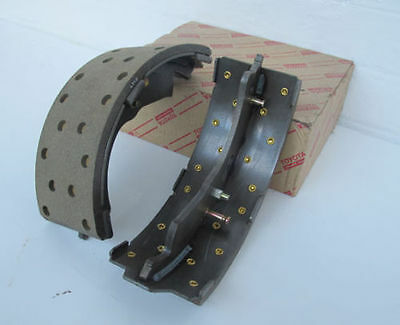 New Genuine Toyota Forklift Brake Shoes 47430-33901-71