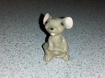 Hagen Renaker MOUSE MAMA with or without teeth----miniature ceramic figurine