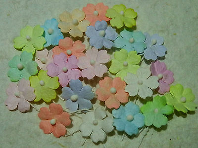 100 x 15mm Paper FLOWERS MPFF4 Scrapbooking Cardmaking Party Collage Kids Craft