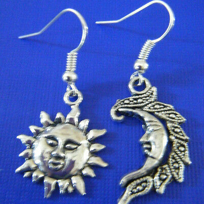 Fashion Vintage Antique Silver Sun Face Moon Charm Pendant Dangle Earrings 1pair