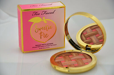 Too Faced - Sweetie Pie Radiant Matte Bronzer – Peaches and Cream Collection