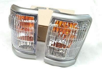 Toyota Hilux Ln167 98-04 Grey Front Corner Indicator Lights Lamps Pair 509G