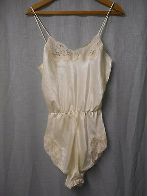 Vintage Far West Ivory TEDDIE Teddy Romper Sleeper Cami Tap Shorts sz Medium USA