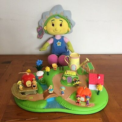 Fifi And The Flowertots Magic Garden Interactive Talking And Musical Playset