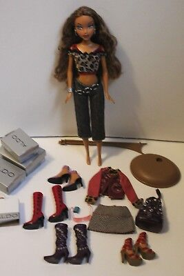 Barbie My Scene Doll - Aldo Shopping Spree Madison with Accessories