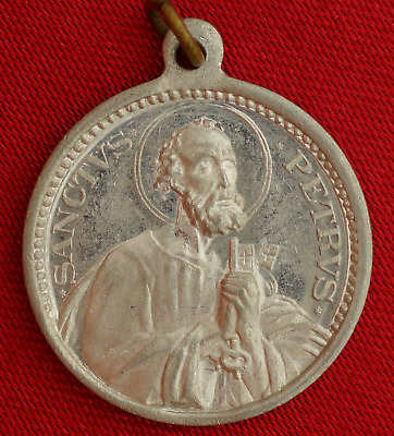 Vintage POPE PIUS XII Medal  SAINT PETER HOLDING KEYS OF THE KINGDOM Medal