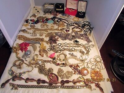 Lot Of Vintage Signed Jewelry: Weiss, Renoir,etc.  Less Than $3.00 A Piece