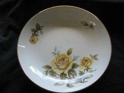 """Harmony House Fine China Yellow Rose  10 1/4"""" Dinner Plate  Excellent Condition"""