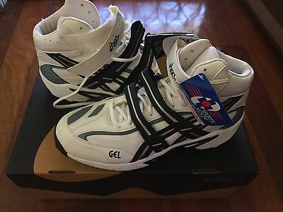 Asics Gel 8 For Bowling Boots Full Spikes Cricket Shoes Size US 8 1/2 Brand New