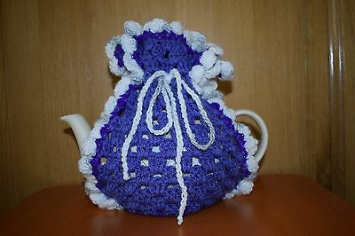 handknitted teapot cosy