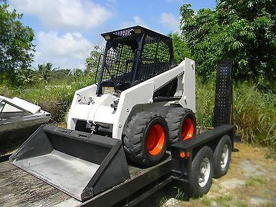 Bobcat 853 Diesel Skid Steer Wheel Loader & 2002 Belshe Tandem Axle Trailer