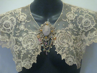 Dainty Ornate  Edwardian Guipure Net Lace Collar/capelet