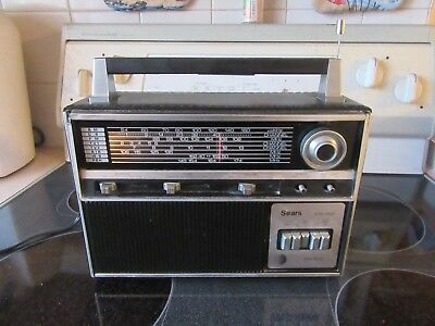 Vintage Sears Solid State Multi-Band Radio Works