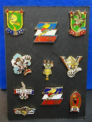 Whoelsale Lot w Display Board 10 Diff. Warner Brothers WB Cartoon Animation Pins