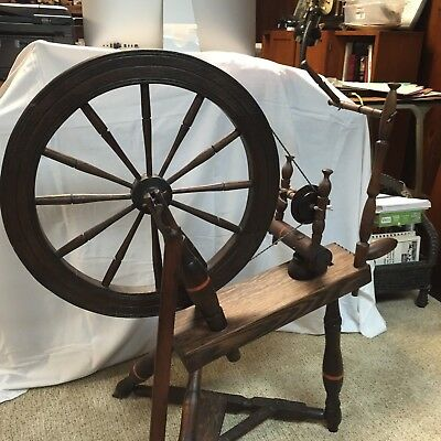 Vintage Spinning Wheel with treadle