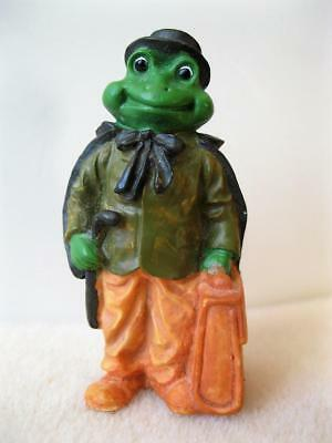 Unusual Dressed FROG in Tophat Cape w/Cane & Suitcase Resin Figure (c) 1991 J.C.