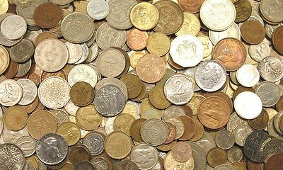 5 Lbs of World Coins - Approximately 500 Coins