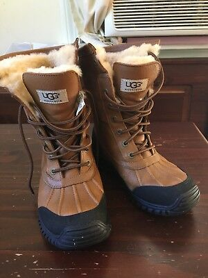 Womens UGG Australia brown leather and rubber lace up boots CLEAN size 6
