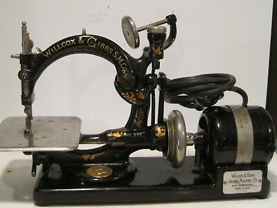 WORKING WILLCOX & GIBBS SEWING MACHINE W/ attachments ORIGINAL BOX