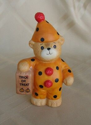 Lucy & Me Ceramic Figurine Lucy Rigg - Enesco 1985 Halloween Trick or Treat Bear