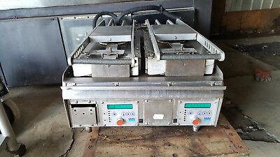 Taylor Commercial Electric Double Platen Clamshell Grill Flattop Panini Press