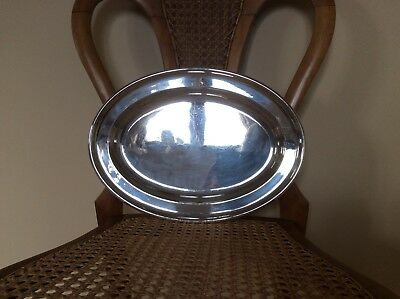 Beautiful Antique Walker & Hall Small Plain Oval Silver plated Tray