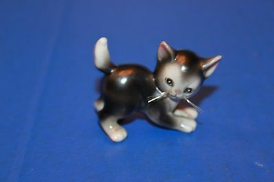 Cute Vintage Playful Kitten Cat With Whiskers Figurine
