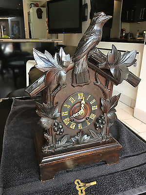 Very cute Victorian Black Forest carved Cuckoo Clock, full working order