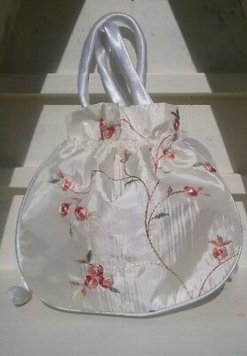 ivory drawstring bag for Georgian costume balls.  Peach  Flower embroidery