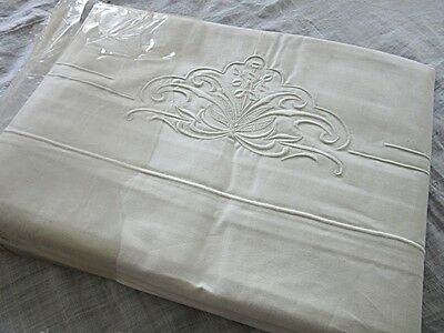 QUALITY UNUSED VINTAGE FRENCH DOUBLE SHEETS & PILLOW CASES SET with EMBROIDERY