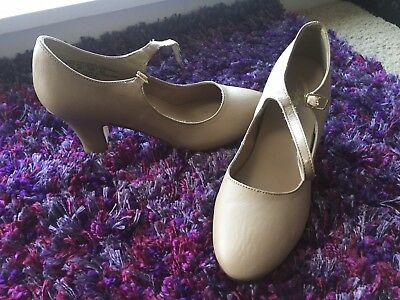 Capezio Character Shoes 2 inch heel Nude 7w