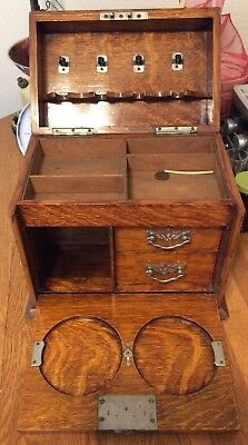 VINTAGE LARGE OAK APOTHECARY CHEST - 10lbs