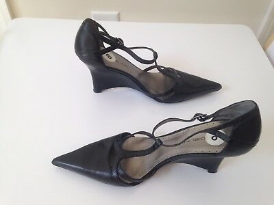 Bandolino Black Women's T-Strap Wedge Pointed Heel Shoes Size 8